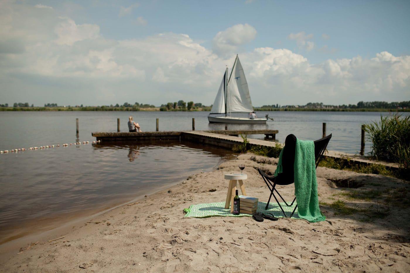 Offerta Vela A: 6 Persone Chalet+ Barca A Vela Polyvalk A Partire Da € 513 A Settimana