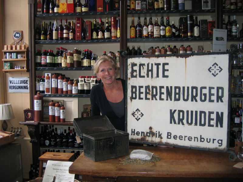 La Veuve Joustra Beerenburg